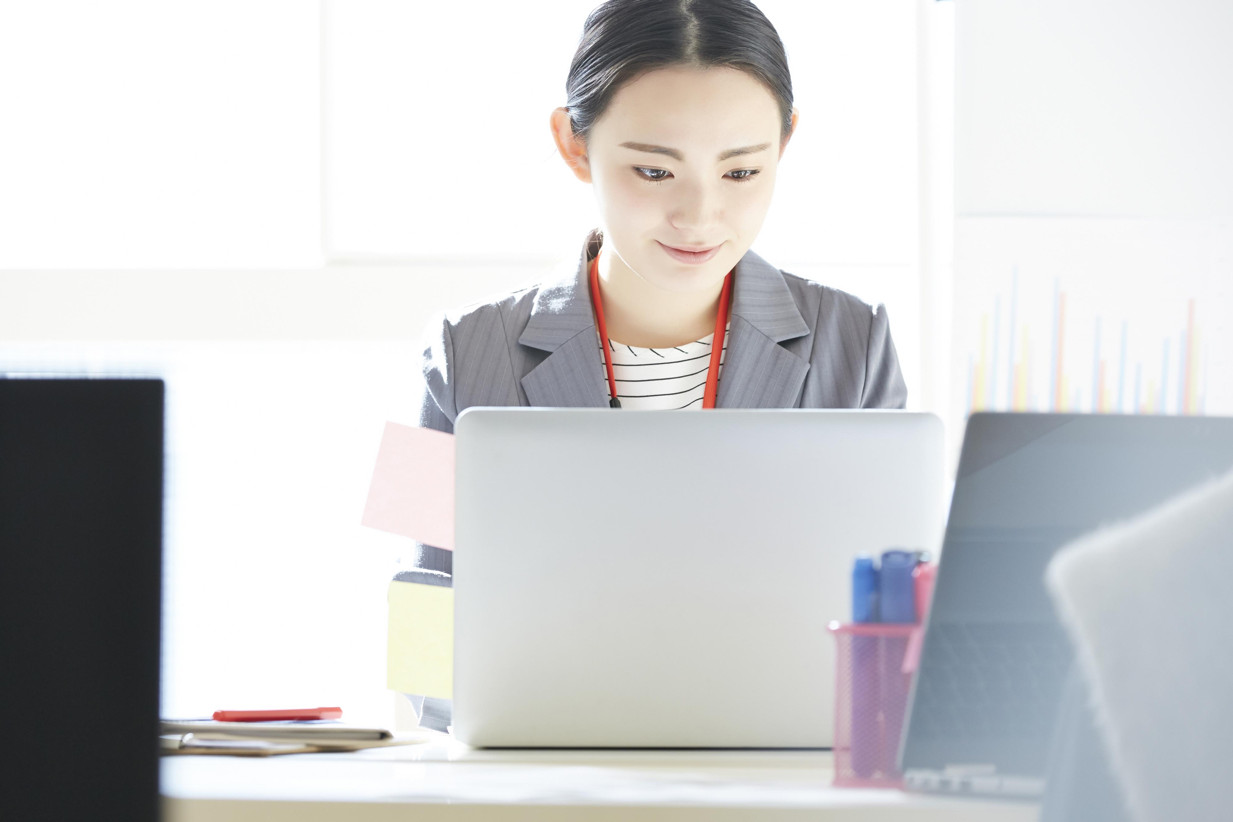 アコムの増額審査、アコムの限度額を30万円から100万円に上げる方法